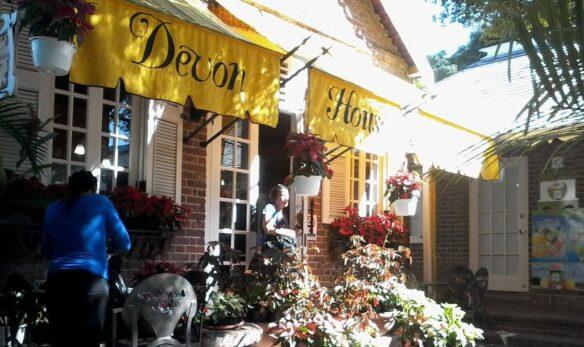 DEVON HOUSE 'OLD TIME' EASTER BUN